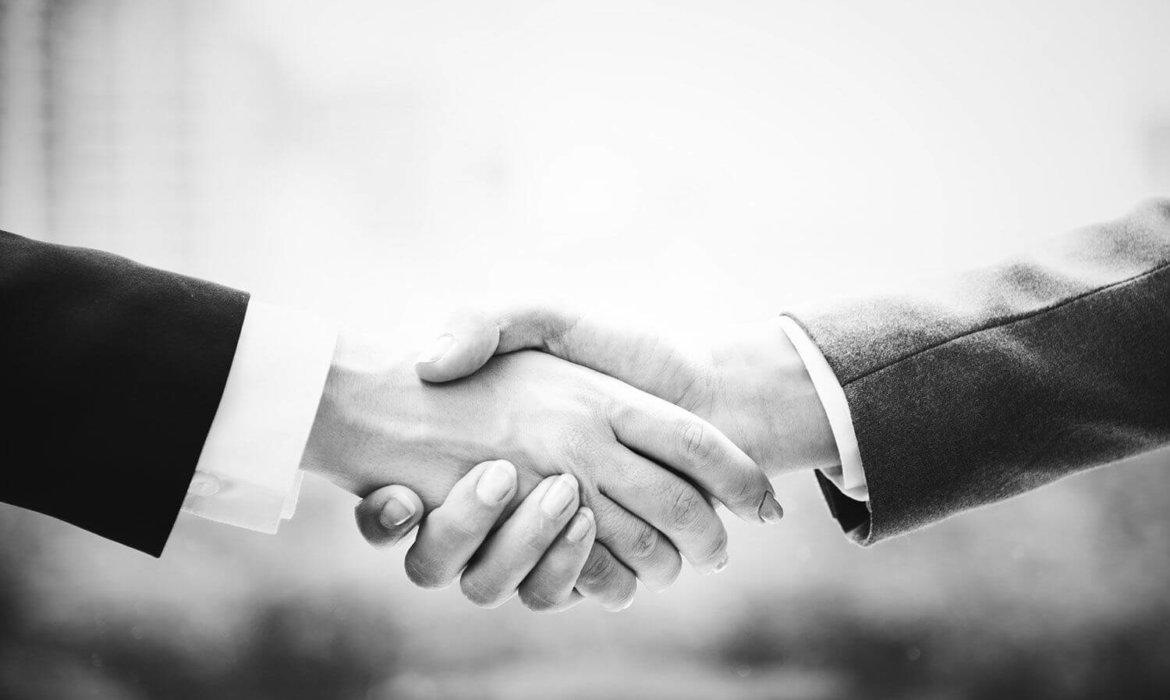 Picture shaking hands